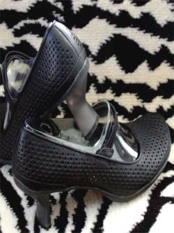 Vintage Black Mary Janes Kitten Heel