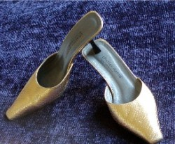 Vintage Charles David Gold Slides