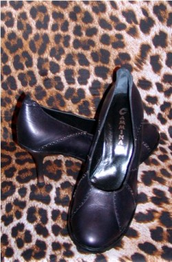 Estate Pumps Made in Italy Size 9.5